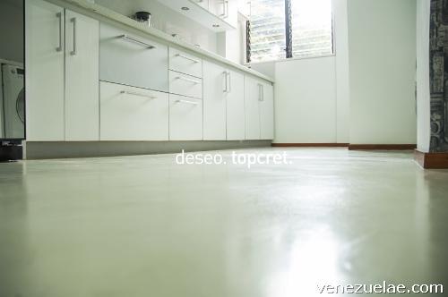 Topcret microcemento revestimientos decoraci n pisos paredes ba os cocinas en caracas distrito - Revestimiento cemento pulido banos ...